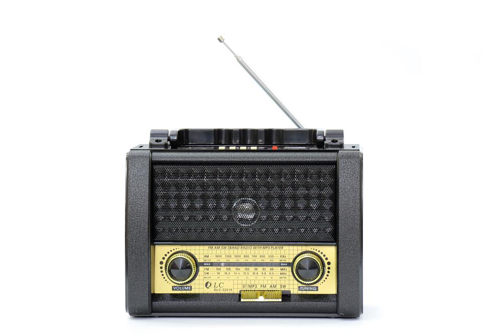 راديو قديم اسود مزود ببلوتوث ومدخل بطاقة ذاكرة اس دي، يو اس بي ومنفذ يو اكس DLC-32210B